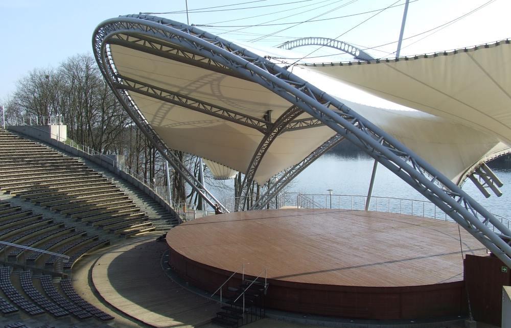 Mrągowo: Amfiteatr nad jeziorem Czos | KursNaMazury.PL