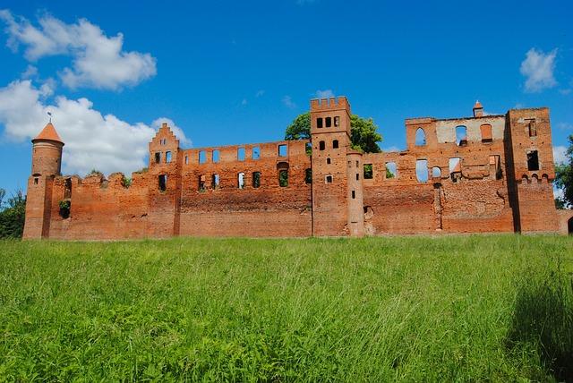 Zamek w Szymbarku do kupienia na licytacji