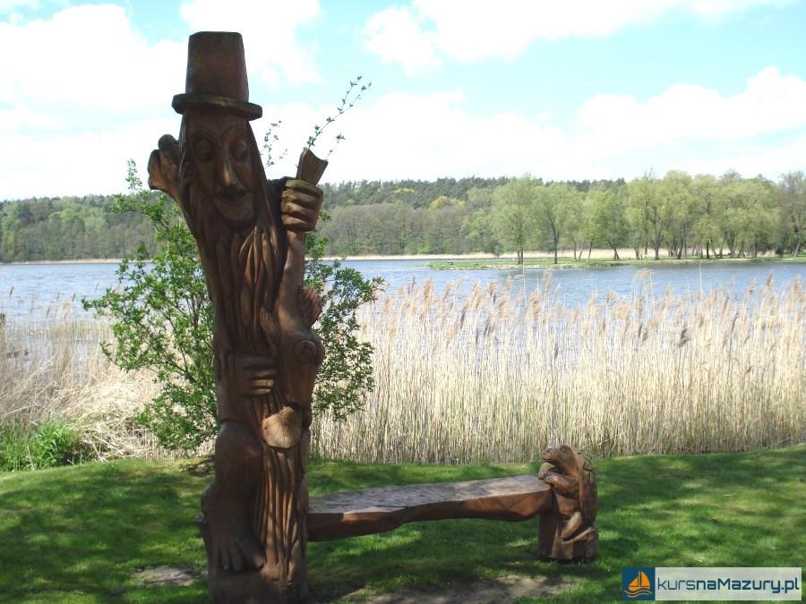 Ławeczka - promenada Lidzbark